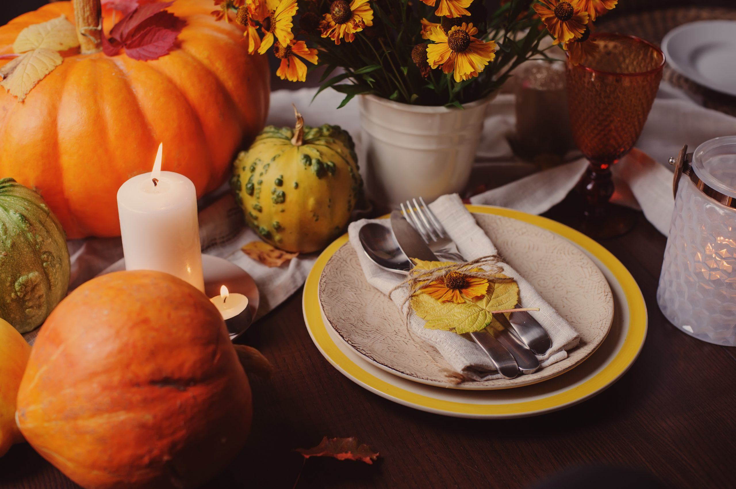 Thanksgiving seasonal table setting